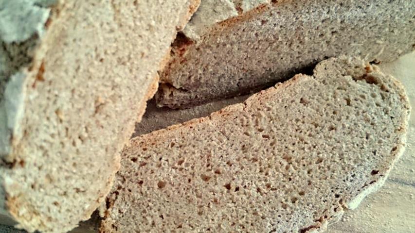 Reines Roggenvollkornbrot aus 100% Bio-Roggenmehl