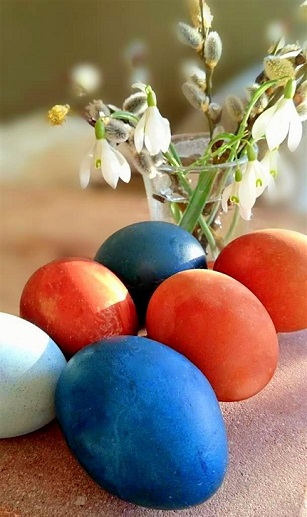 Eier färben mit Naturfarben