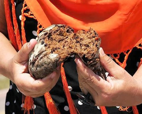 deftiges Schokoladenbrot mit glasierten Orangenzesten einfach unschlagbar im geschmack