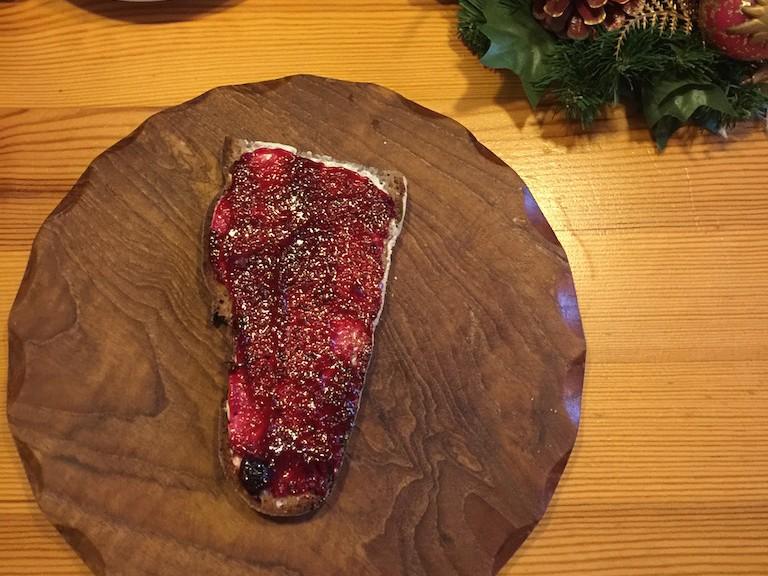Gedeckter Weihnachtsmorgen Tisch